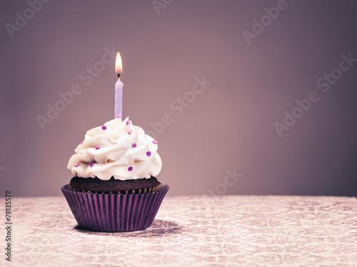 Fotobehang Dessert Birthday Cupcake