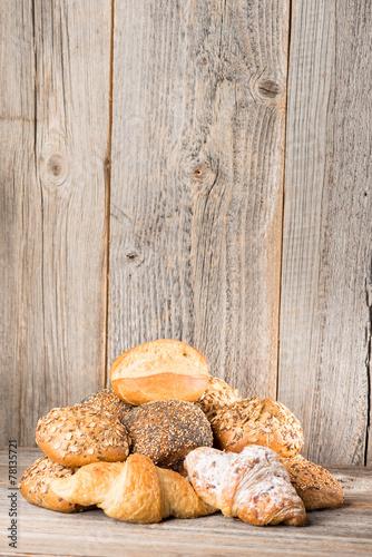 Deurstickers Brood verschiedene Sorten Brötchen