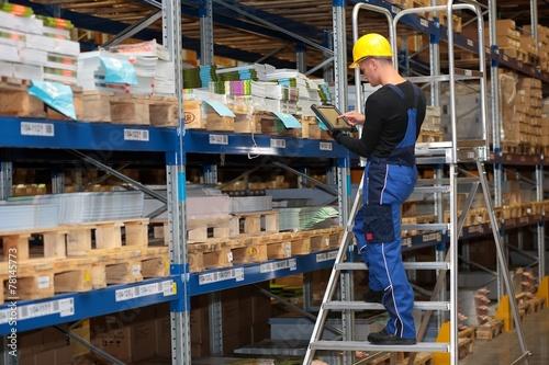Leinwanddruck Bild Lager Logistik Kommissionieren mit Tablet