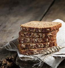Sliced rye bread with sunflower seeds