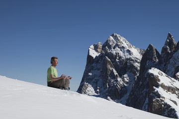 Meditation in den Dolomiten
