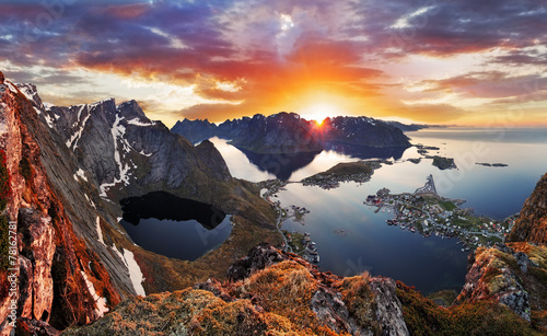 Tuinposter Scandinavië Mountain coast landscape at sunset, Norway