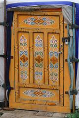 Porte décorée d'une yourte mongole