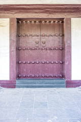 The vintage art of Chinese temple wooden door