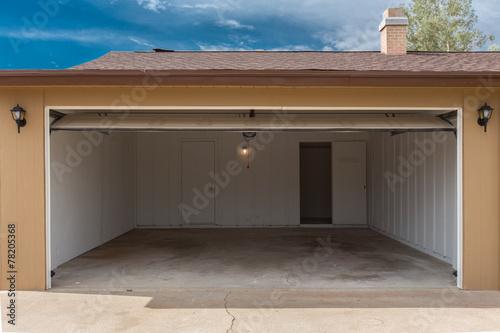 Leinwanddruck Bild Open Garage