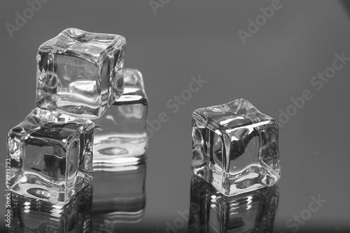 ice cubes - 78213793