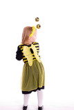 Kind als Biene verkleidet poster