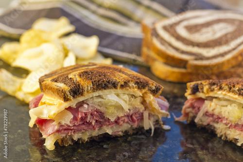Reuben Chips Pickle - 78229987