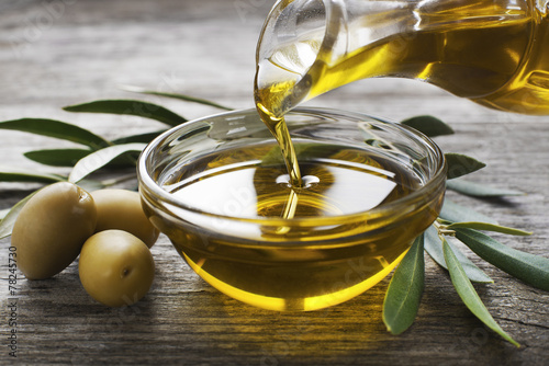 Olive oil - 78245730