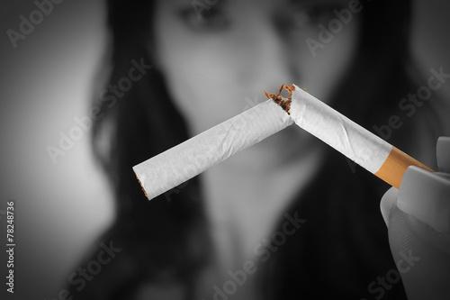 La cigarette - 78248736