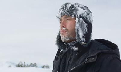 kar,kış,tipi ve dağcı