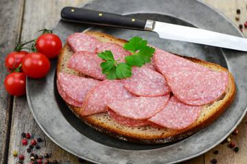 Messer Salami
