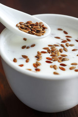 Fresh yogurt with flax seeds
