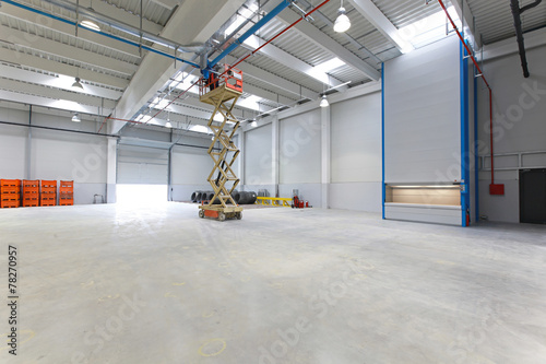 Warehouse - 78270957