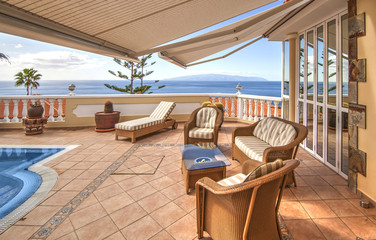 relax in villa with pool and sea view