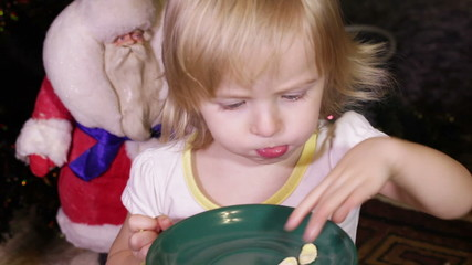 Child eats flakes