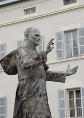 statue  de jean paul ll