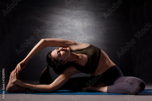 Poster Mature woman practicing yoga