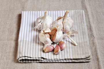 Garlic on linen tea-towel