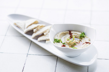 hummus houmous middle eastern vegetarian healthy snack food