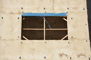 ventanas de un edificio en construccion