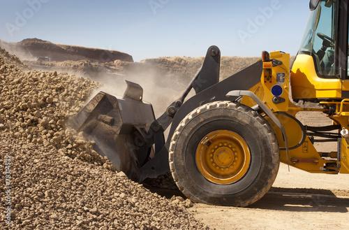 bulldozer in action - 78314539