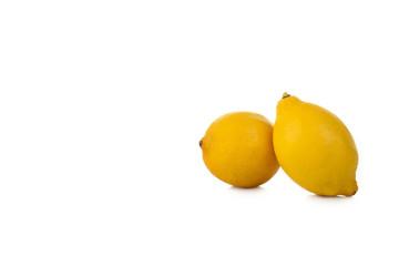 Zweit Zitronen auf einem weißen Hintergrund