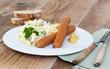 Kartoffelsalat mit Würstchen und Senf. - 78362356