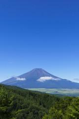 夏の快晴の富士山 二十曲峠からの眺望