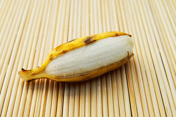 peel cultivated banana on bamboo matt