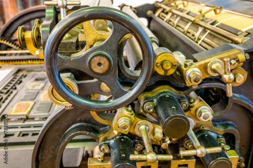 Historische Druckmaschine - 78381393