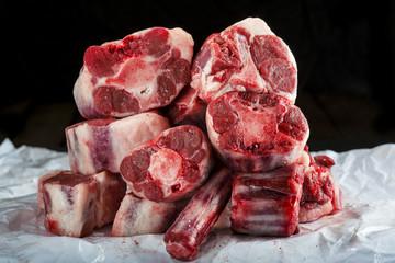 Carne roja rabo o cola de toro vaca o ternera crudo para cocina