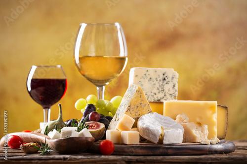 Staande foto Zuivelproducten Various types of cheese