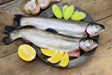 Fisch, Holzbrett