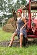 Landwirtin am Traktor