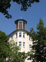 Eckhaus Berlin mit Grün