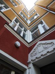 Sanierter Hinterhof Fassade Moabit