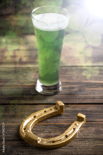 canvas print picture Green beer and horseshoe