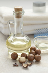 Bottle with macadamia oil
