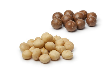 Peeled and unpeeled macadamia  nuts