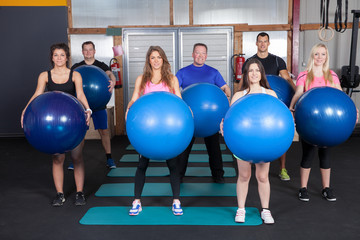 Medicine ball fitness training - sports team