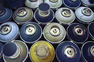 spray paint cans,