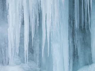 厳寒の氷瀑