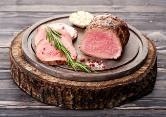 Roast beef with rosemary and garlic