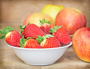 Fresh organic strawberries in bowl