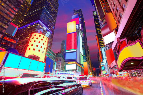 In de dag New York Times Square Manhattan New York deleted ads