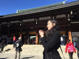 woman at meiji jingu shrine