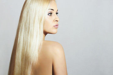 Beautiful Woman. Beauty Sexy Blond Girl.Healthy hair