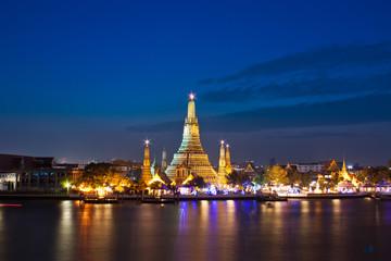 Thailand, Bangkok, Temple of dawn illuminated at night