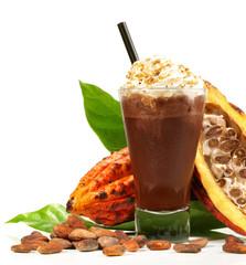 Kakao mit Sahne im Glas